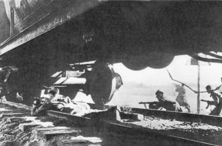 Loat anh cuc hiem tran chien dam mau Smolensk trong CTTG 2-Hinh-8