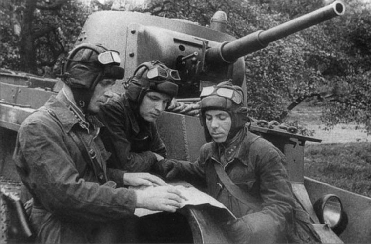 Loat anh cuc hiem tran chien dam mau Smolensk trong CTTG 2-Hinh-9