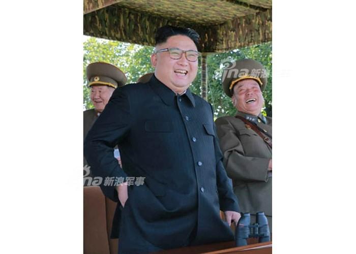 "Choang ngop cuoc tap tran ""danh tau san bay"" cua Trieu Tien-Hinh-3"
