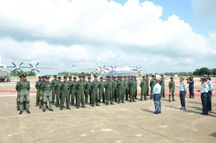 Quan doi Myanmar tung ca tau ten lua tim may bay Y-8-Hinh-8