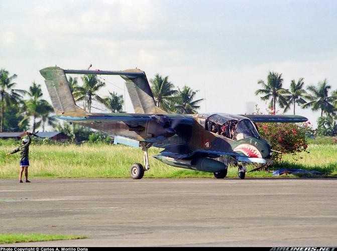 """Cam canh Khong quan Philippines dem """"ba gia"""" OV-10 chien dau-Hinh-7"""