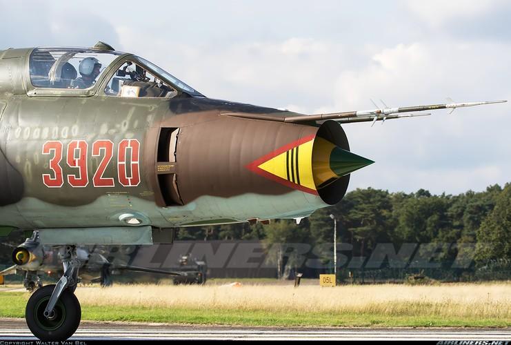My ban roi may bay Syria: Su-22 chua tung danh thang tren khong-Hinh-15