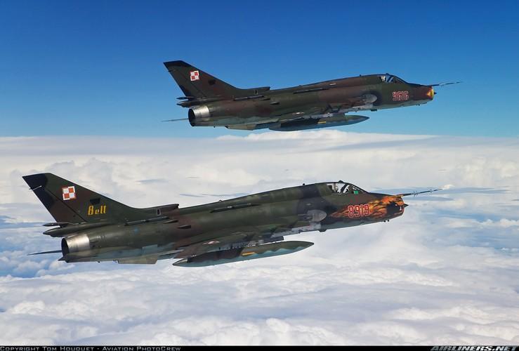 My ban roi may bay Syria: Su-22 chua tung danh thang tren khong-Hinh-8