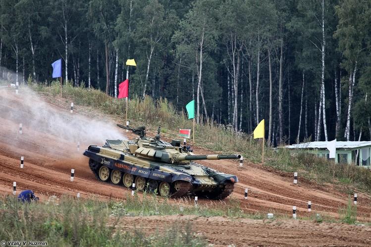Kinh ngac: Bo doi Lao muon xe tang T-72 di thi-Hinh-6