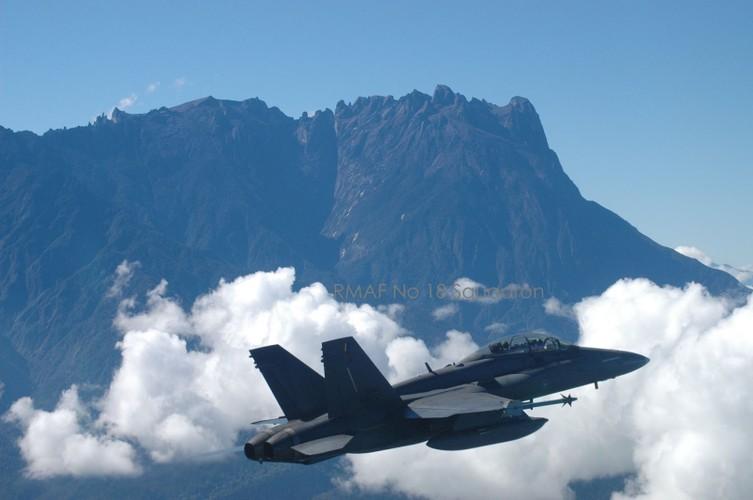 "Tinh nang ""khung"" tiem kich F/A-18D Malaysia sau nang cap-Hinh-4"