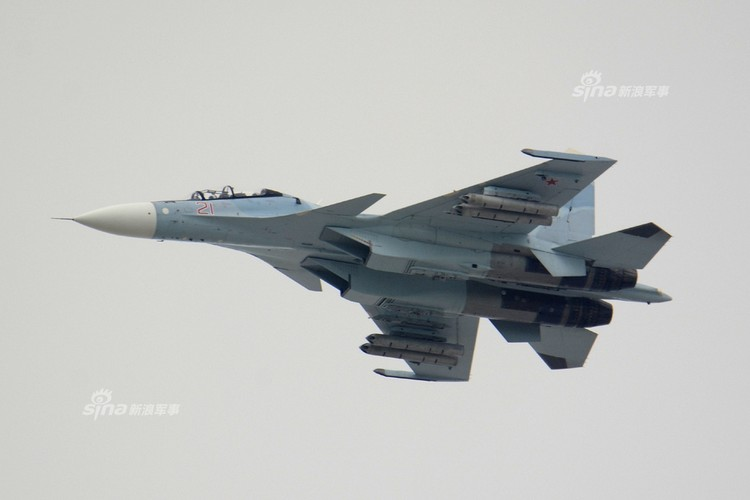 Man nhan chien dau co Nga-Trung khong kich...may bay F-16-Hinh-10