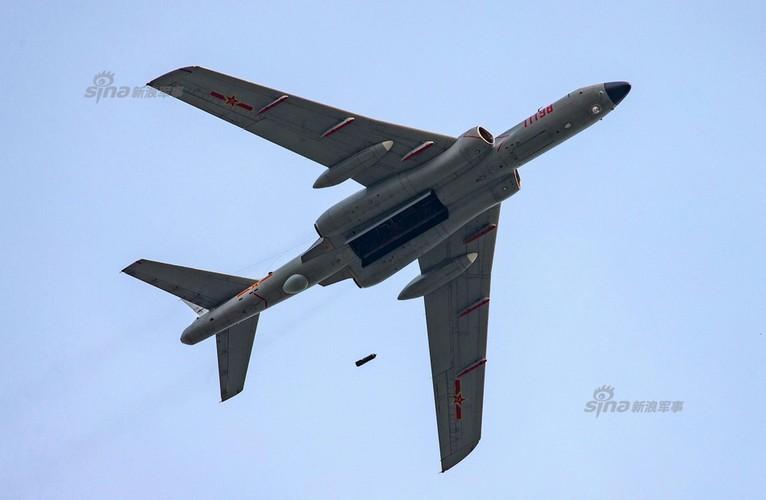 Man nhan chien dau co Nga-Trung khong kich...may bay F-16-Hinh-12