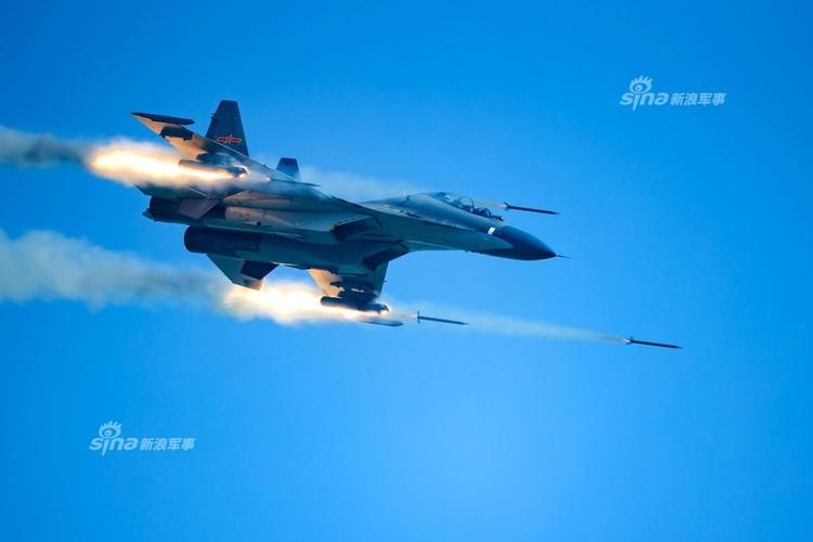 Man nhan chien dau co Nga-Trung khong kich...may bay F-16-Hinh-14