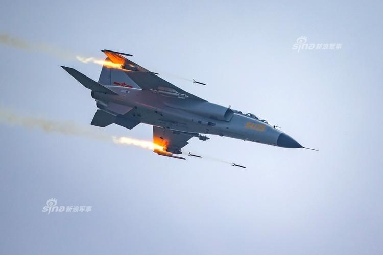 Man nhan chien dau co Nga-Trung khong kich...may bay F-16-Hinh-16
