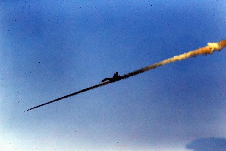 Man nhan chien dau co Nga-Trung khong kich...may bay F-16-Hinh-17