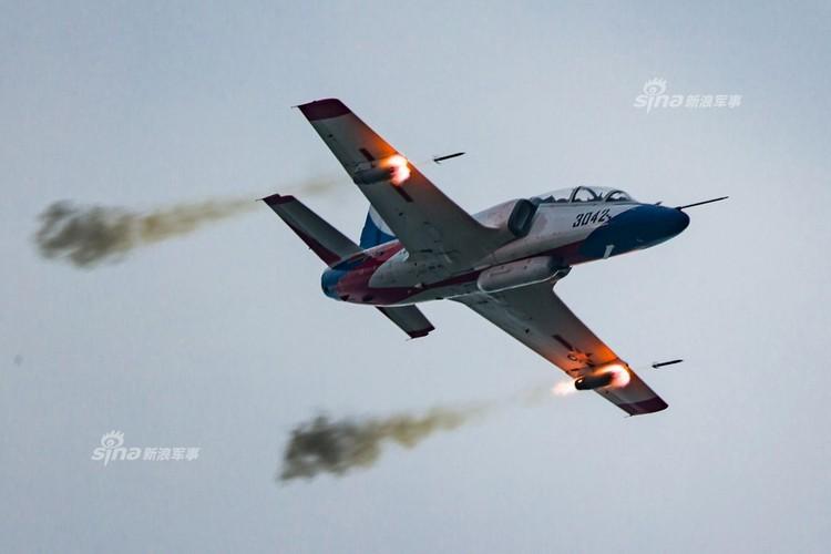 Man nhan chien dau co Nga-Trung khong kich...may bay F-16-Hinh-18