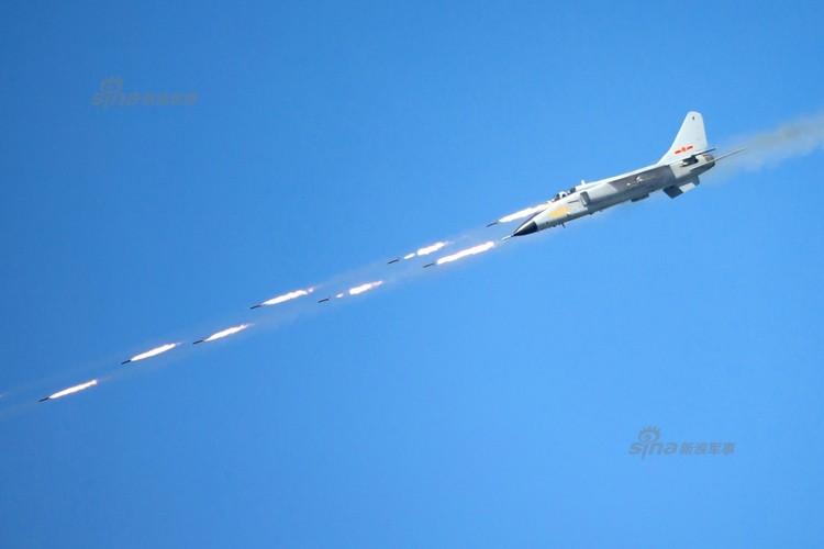 Man nhan chien dau co Nga-Trung khong kich...may bay F-16-Hinh-2