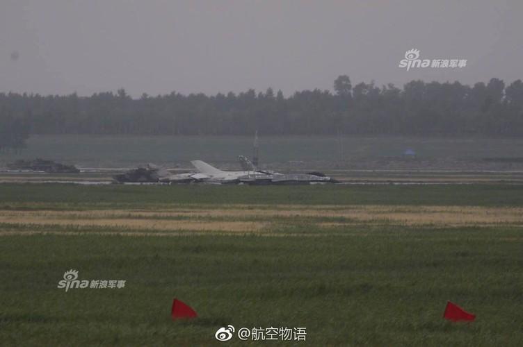 Man nhan chien dau co Nga-Trung khong kich...may bay F-16-Hinh-5