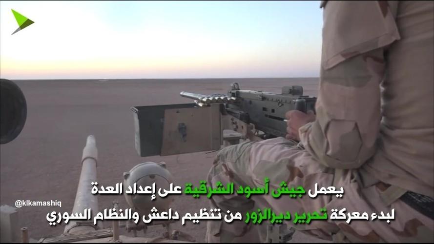 Khiep uy luc xe tang chu luc cua phien quan Syria-Hinh-10