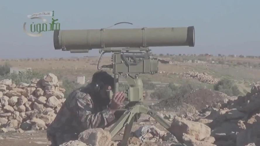 Khiep uy luc xe tang chu luc cua phien quan Syria-Hinh-8