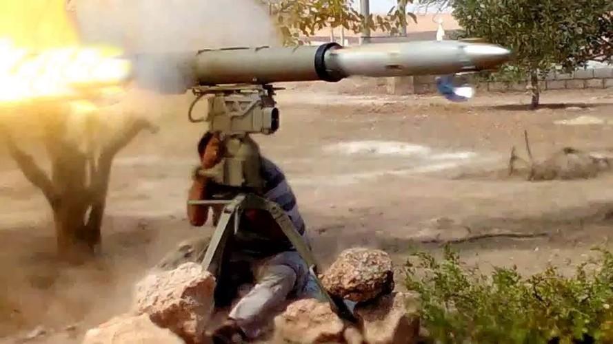 Khiep uy luc xe tang chu luc cua phien quan Syria-Hinh-9