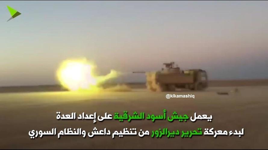 Khiep uy luc xe tang chu luc cua phien quan Syria