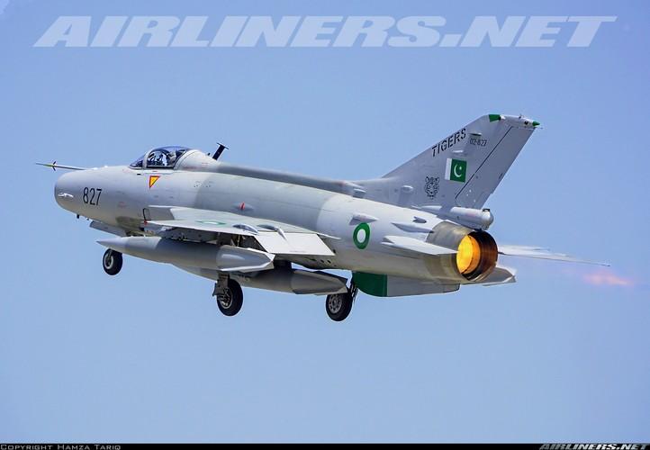 3 thang mat 3 tiem kich F-7, Pakistan hoang voi hang Trung Quoc-Hinh-9
