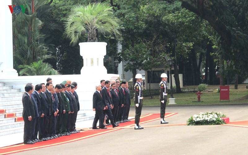 Toan canh le don chinh thuc Tong Bi thu Nguyen Phu Trong tai Indonesia-Hinh-3