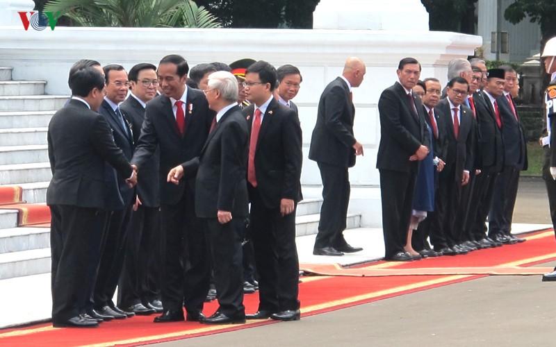 Toan canh le don chinh thuc Tong Bi thu Nguyen Phu Trong tai Indonesia-Hinh-7