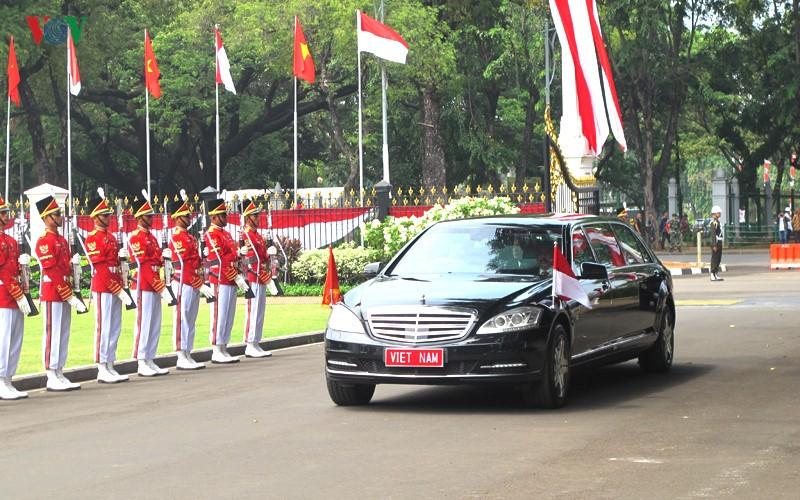 Toan canh le don chinh thuc Tong Bi thu Nguyen Phu Trong tai Indonesia