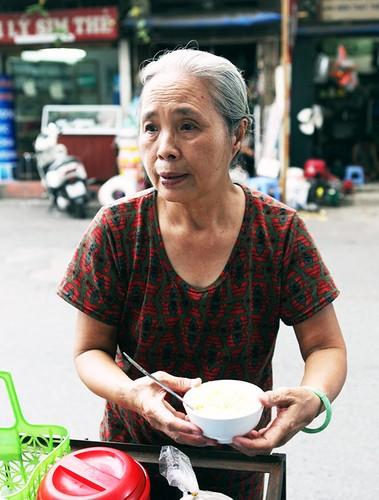 Anh: Toc bac trang, tuoi cao, lung cong van muu sinh-Hinh-7