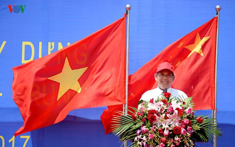 Can canh cay cau Bac Luan II noi Viet Nam - Trung Quoc-Hinh-8