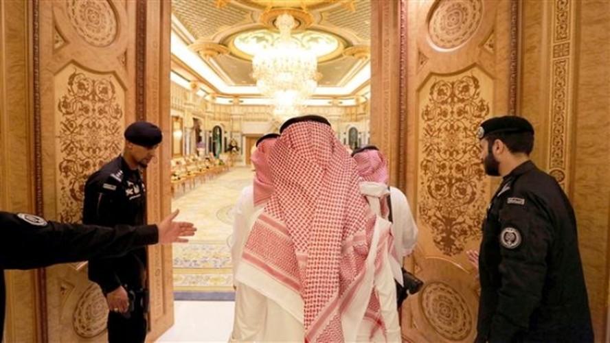 """Cuoc song xa xi thach thuc moi """"dai gia"""" cua vua Arab Saudi-Hinh-2"""