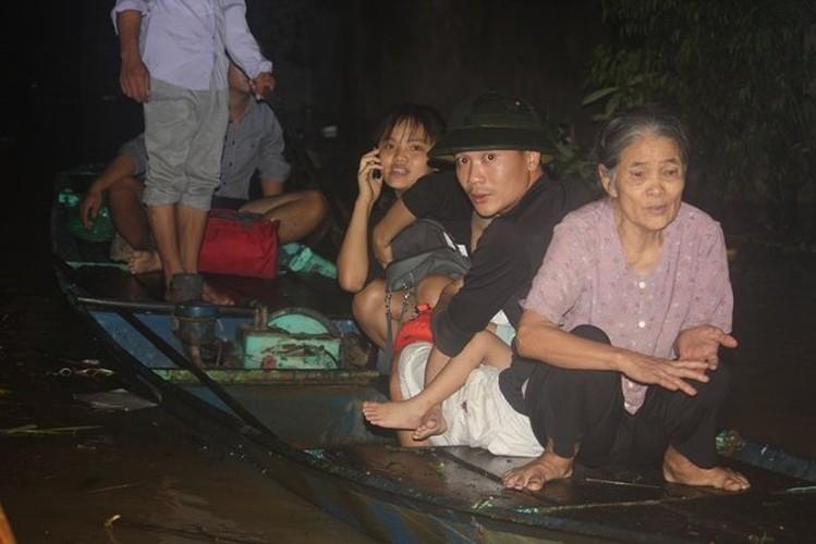 Ron nguoi canh dong nuoc lu can quet cac tinh Bac Bo-Hinh-7
