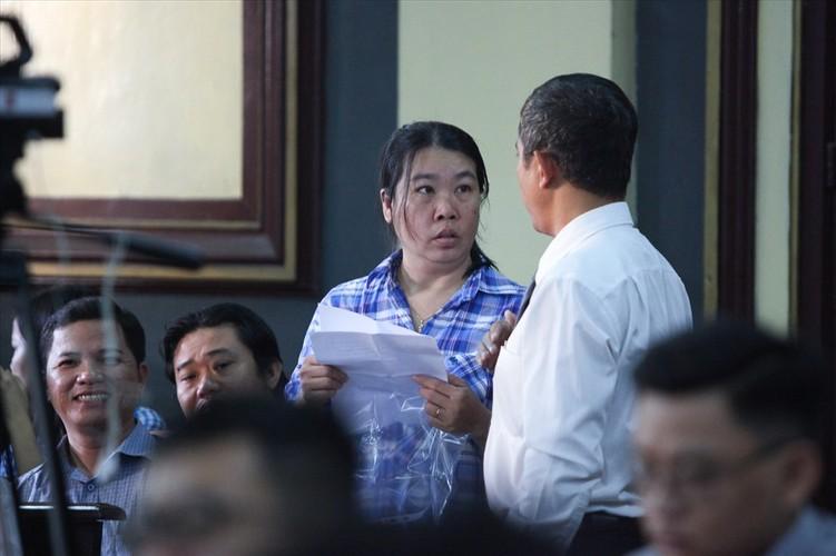 Chum anh toan canh phien toa phuc tham VN Pharma sang nay-Hinh-11