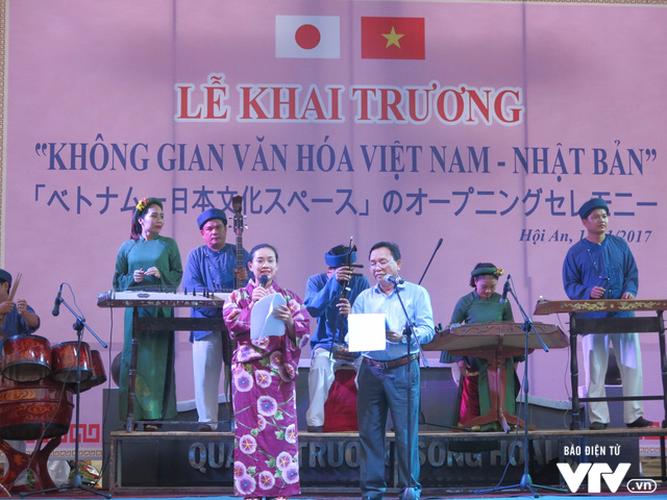 Anh: Cong tac an ninh cho doan phu nhan/phu quan APEC tham quan Hoi An-Hinh-14