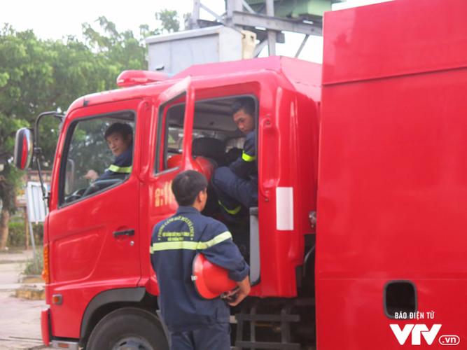 Anh: Cong tac an ninh cho doan phu nhan/phu quan APEC tham quan Hoi An-Hinh-7