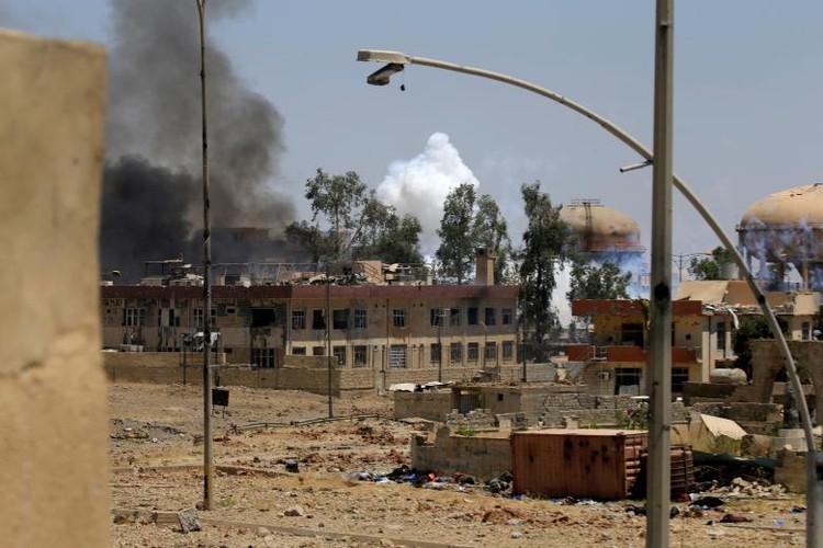 Chum anh luc luong an ninh Iraq tren chien tuyen Tay Mosul-Hinh-18