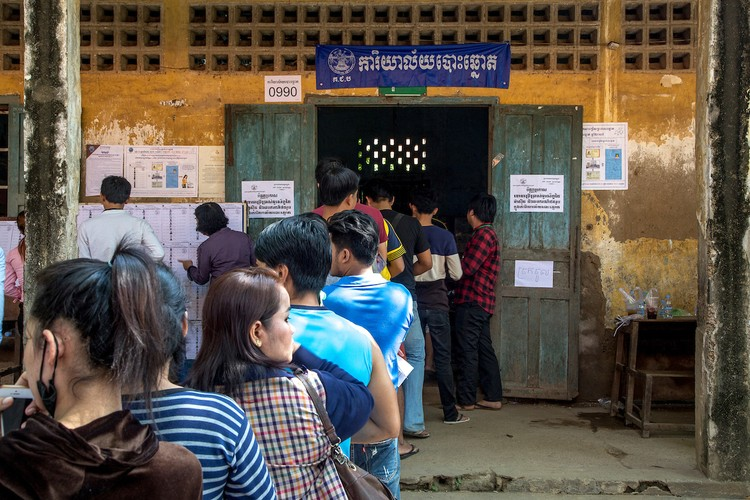 Chum anh bau cu xa-phuong o Campuchia-Hinh-2