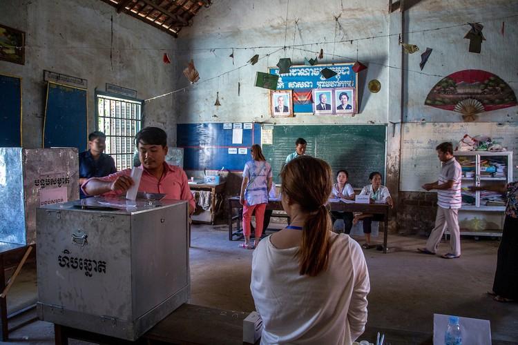 Chum anh bau cu xa-phuong o Campuchia-Hinh-4