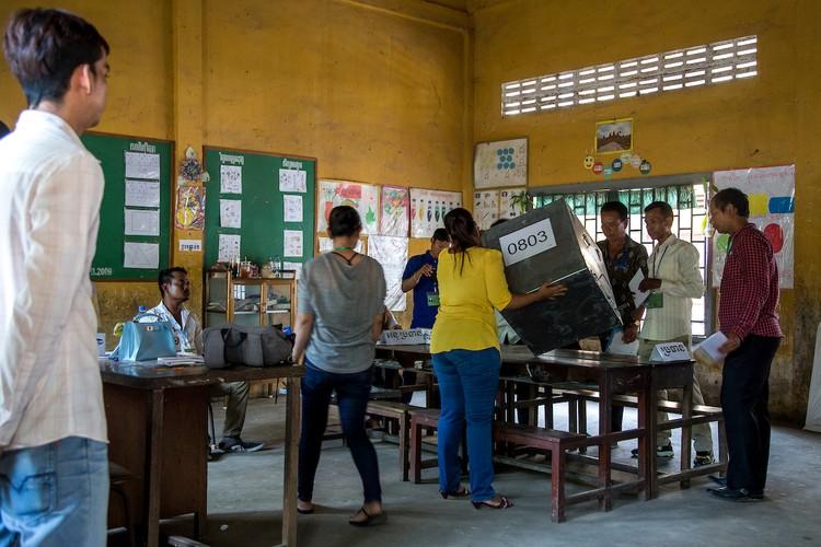 Chum anh bau cu xa-phuong o Campuchia-Hinh-6