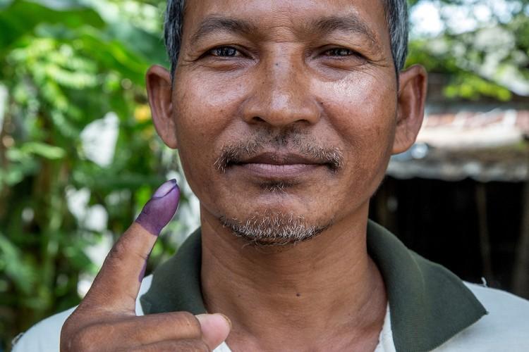 Chum anh bau cu xa-phuong o Campuchia