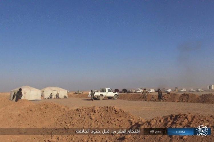 Phien quan IS dot kich can cu Iraq gan bien gioi Syria-Hinh-7