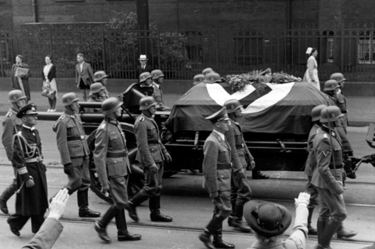 "Vu am at ""dao phu Duc Quoc xa"" Reinhard Heydrich o Praha-Hinh-10"