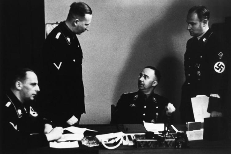 "Vu am at ""dao phu Duc Quoc xa"" Reinhard Heydrich o Praha-Hinh-2"