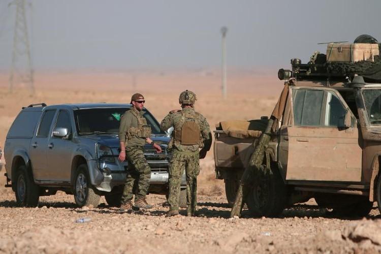 Chum anh binh si My hoat dong ben trong lanh tho Syria-Hinh-13