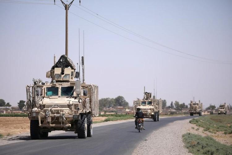 Chum anh binh si My hoat dong ben trong lanh tho Syria-Hinh-2