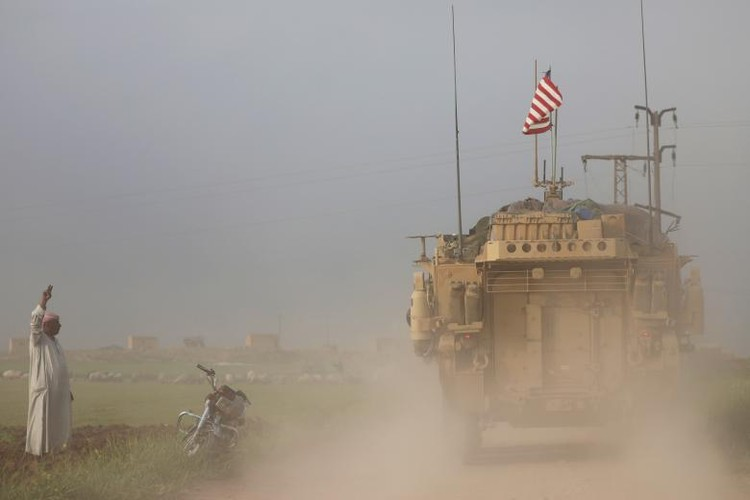 Chum anh binh si My hoat dong ben trong lanh tho Syria-Hinh-5