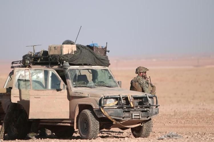 Chum anh binh si My hoat dong ben trong lanh tho Syria-Hinh-7