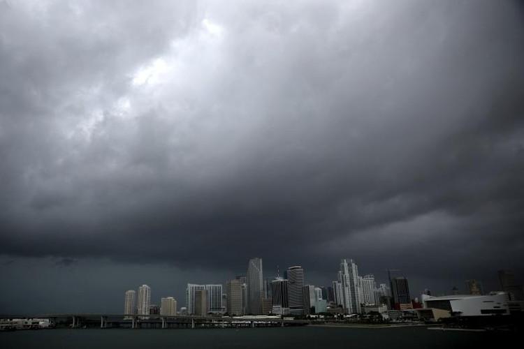 Hoi ha, bang Florida chuan bi doi pho sieu bao Irma-Hinh-10