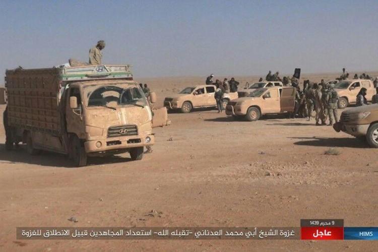 Quan doi Syria chao dao o phia tay Deir Ezzor-Hinh-2