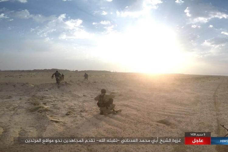 Quan doi Syria chao dao o phia tay Deir Ezzor-Hinh-4