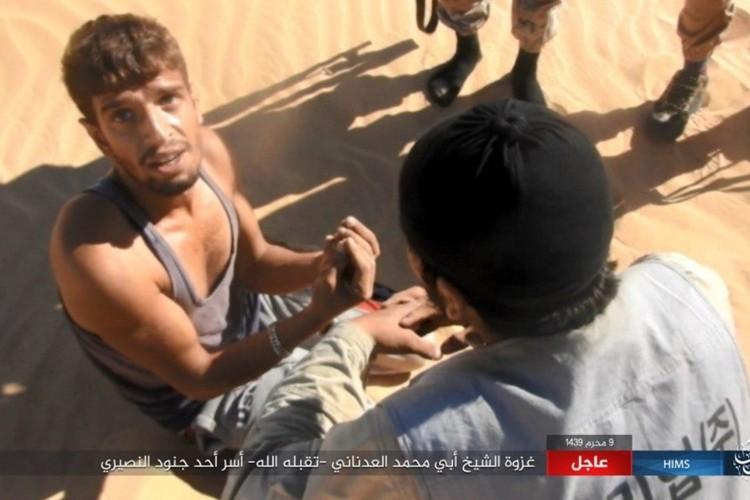 Quan doi Syria chao dao o phia tay Deir Ezzor-Hinh-9