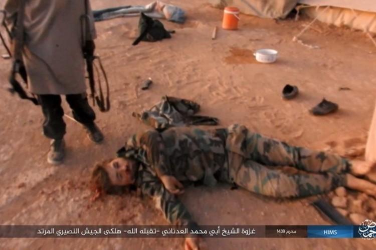 Quan doi Syria ton that nang tren duong cao toc Palmyra-Deir Ezzor-Hinh-11