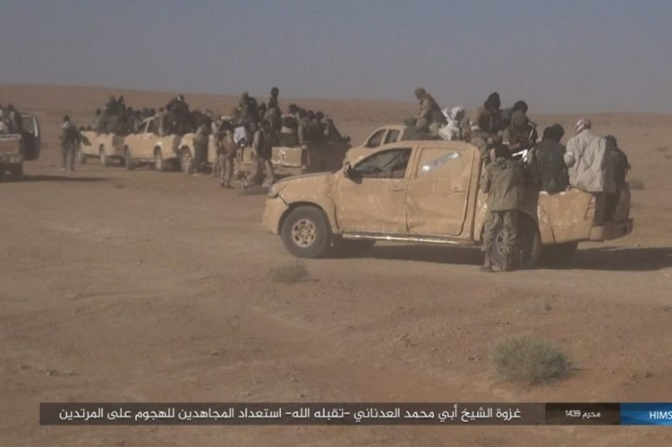 Quan doi Syria ton that nang tren duong cao toc Palmyra-Deir Ezzor-Hinh-2